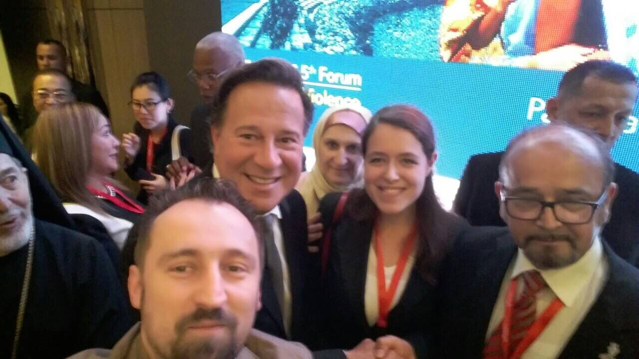 Predstavnici/ce organizacija za decu iz Srbije, Bosne i Hercegovine Ismeta Begic i Makedonije Dragi Zmijanac sa predsednikom Republike Paname H.E. Juan Carlos Varela